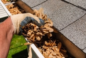 downspout cleaning and debris removal