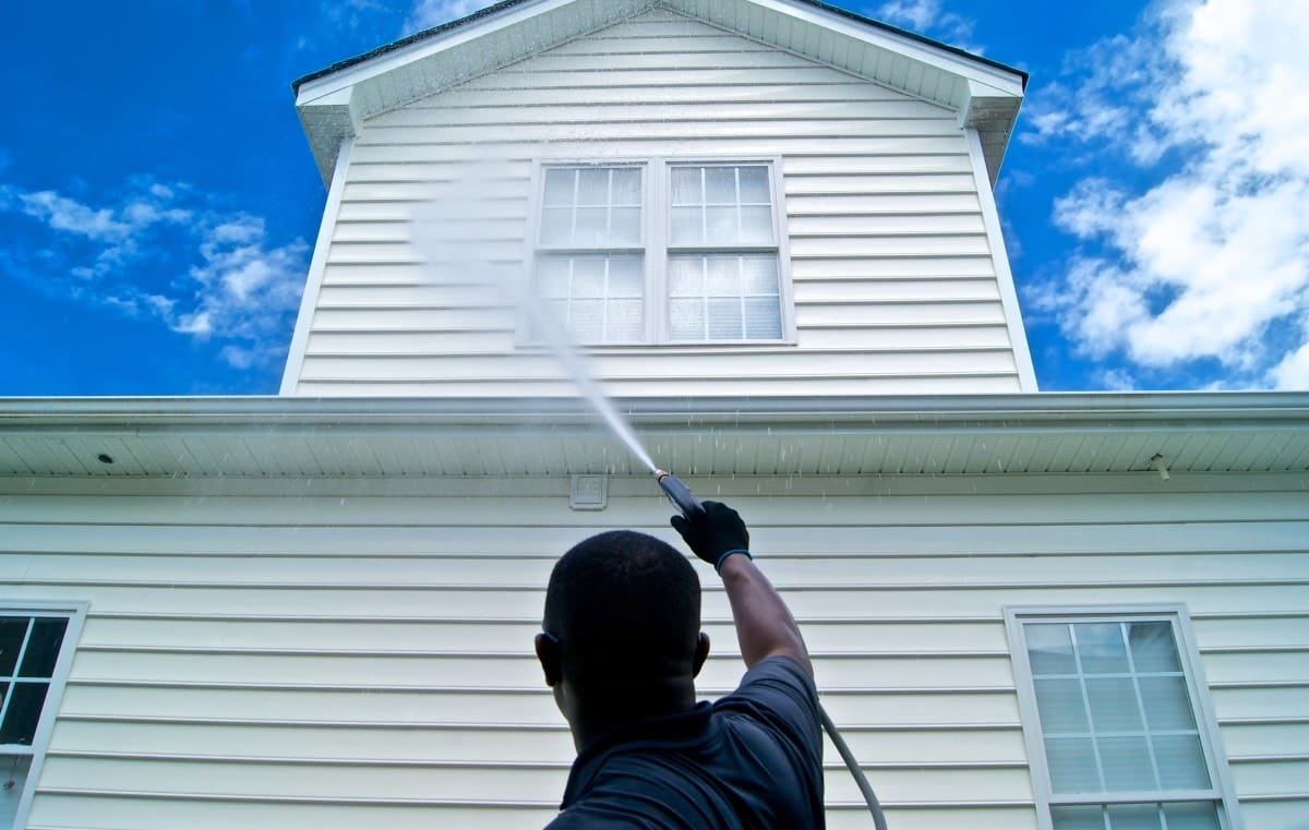 power washing service - home siding cleaning